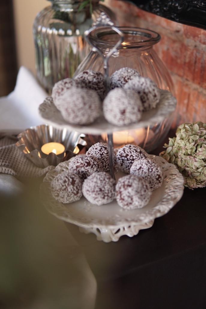 Kakfat med chokladbollar